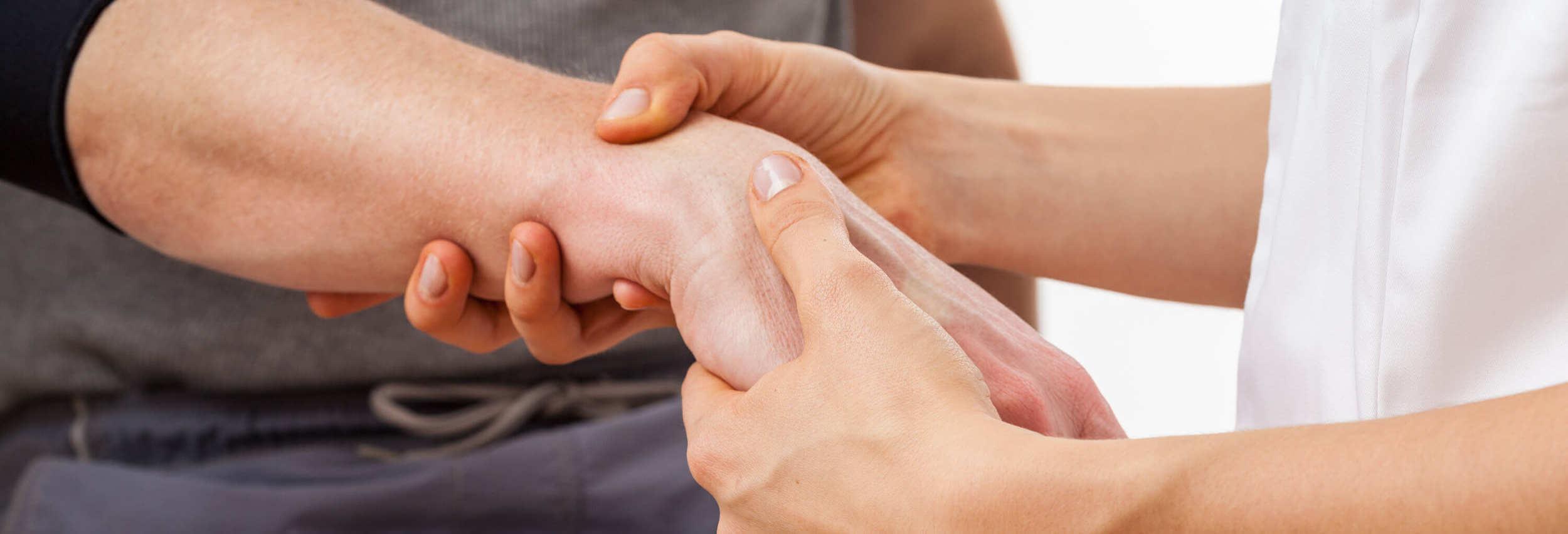 rehabilitacja kontuzji nadgarstka